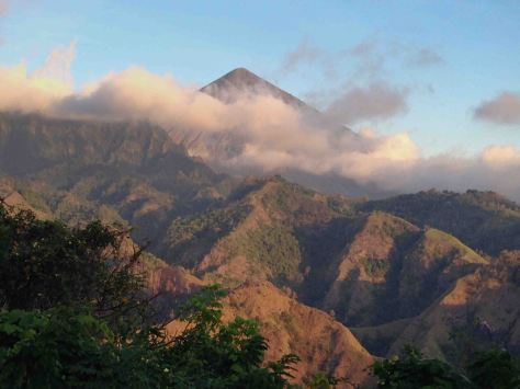 Gunung Inerie Isla de Flores Indonesia