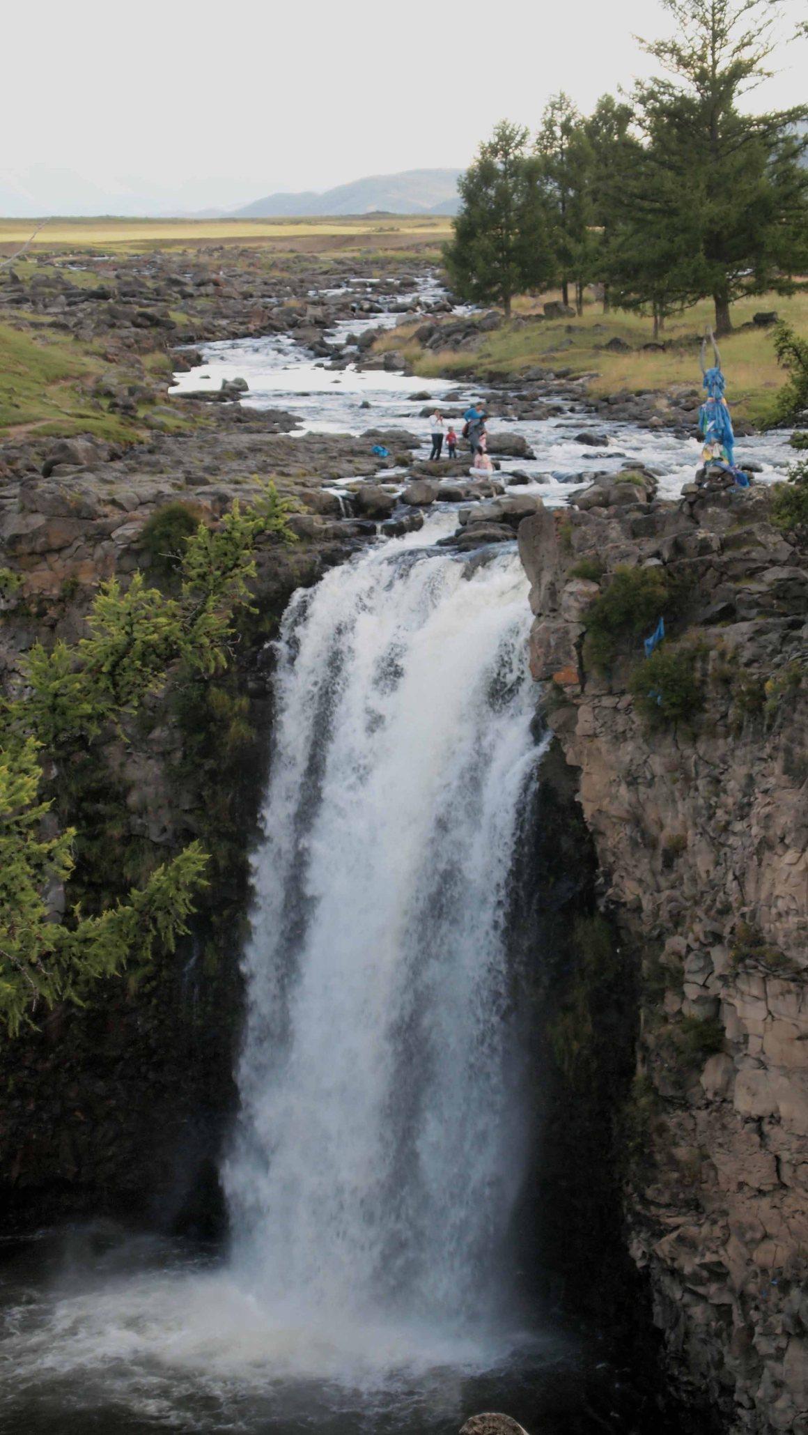 cascada-roja-mongolia