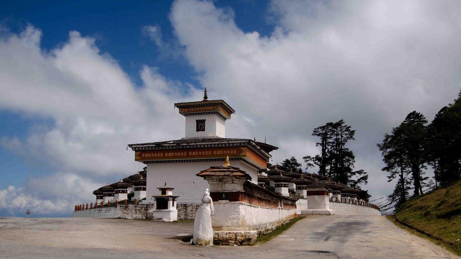 Druk-Wangyal-Khang-Zhang-Chortens