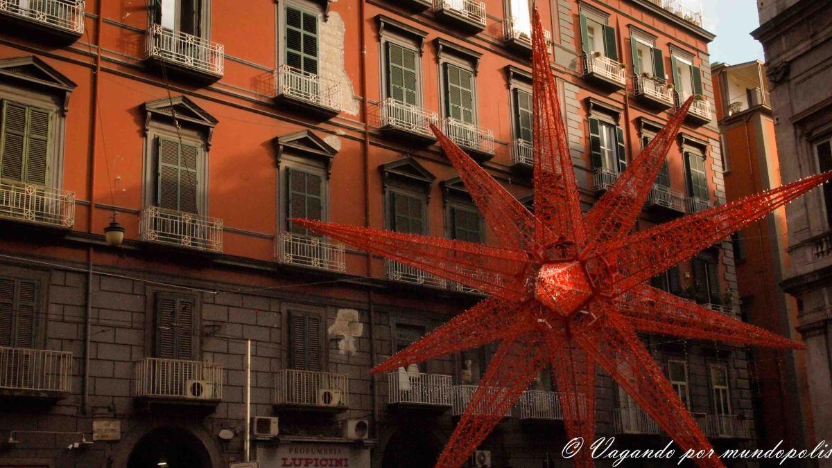 Nochevieja Napolitana: Fuegos artificiales, Pizza y Turismo enNápoles