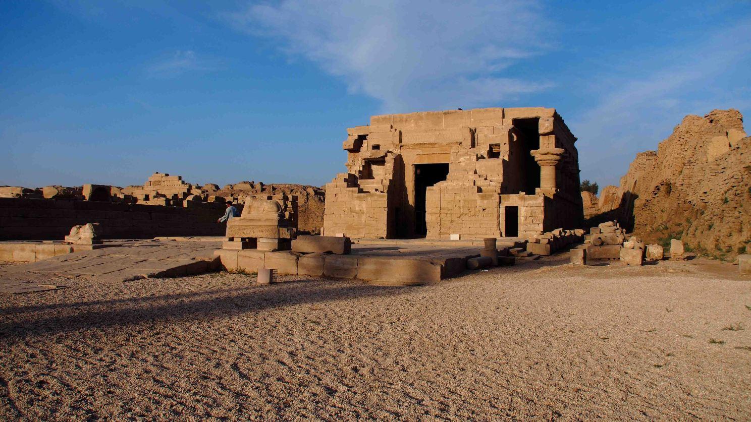 casa-nacimiento-romana-templo-dendera